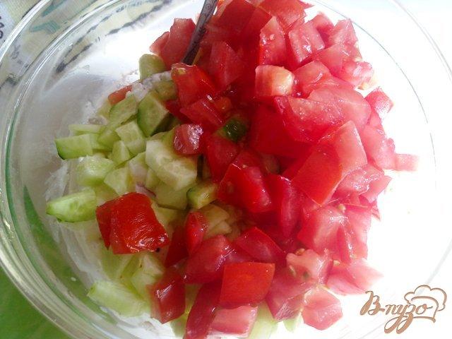 Фото приготовление рецепта: Салат овощной с творогом шаг №7