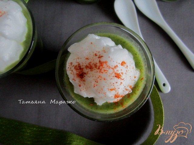 Фото приготовление рецепта: Холодный суп из цукини с ботвой редиса шаг №6