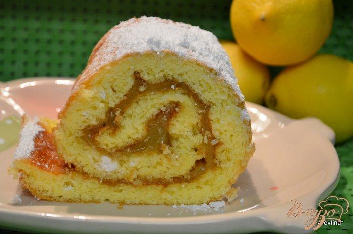 Фото приготовление рецепта: Рулет  с лимонным курдом шаг №7