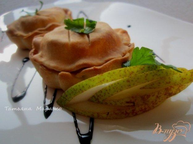 Рецепт Закрытые тарталетки с козьим сыром и грушей