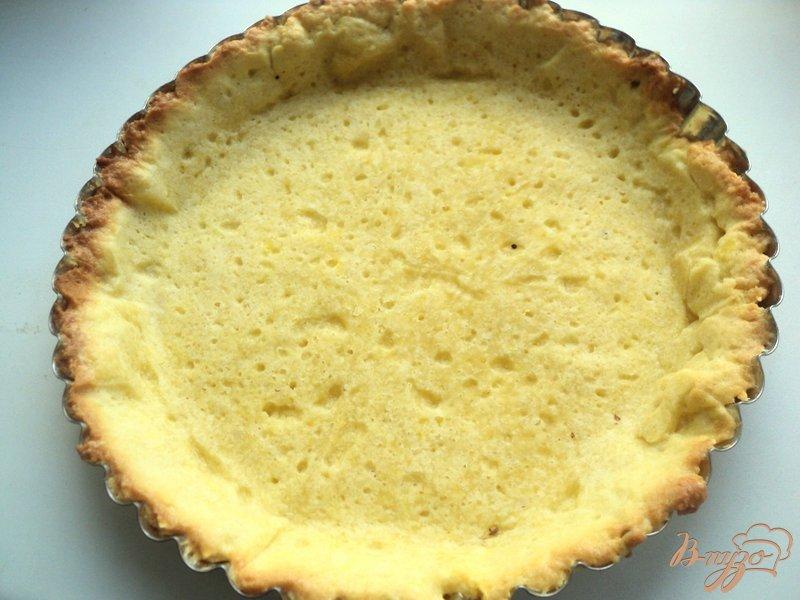 Фото приготовление рецепта: Тарт со смородиной и творогом шаг №4