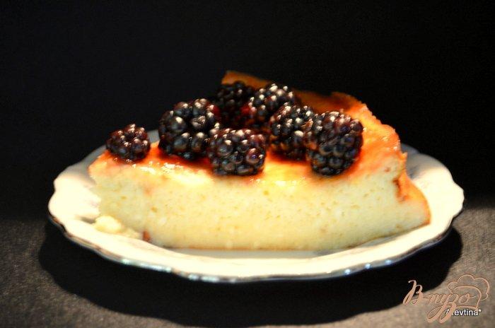 Фото приготовление рецепта: Рикотта чизкейк со свежими ягодами шаг №6