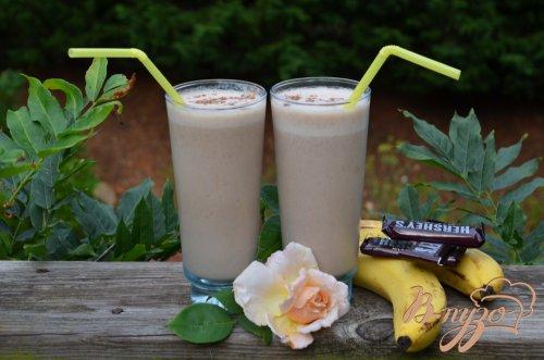 Шоколадный банановый смузи