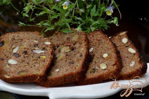 Кекс с семенами и орехами