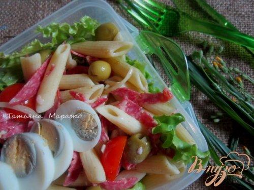 Сборный салат для пикника