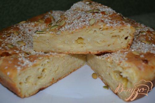 Сливочно-сырный пирог с кунжутом