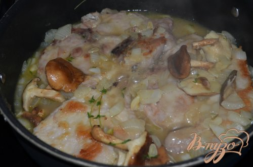 Свиные котлеты с вином Марсала и грибами