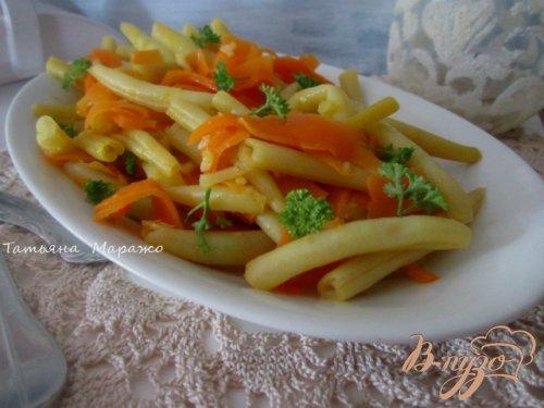 Стручковая фасоль с морковью на пару