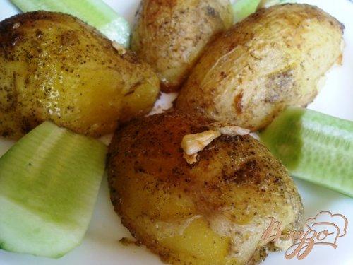 Молодой картофель с прованскими травами