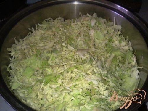 Тушеная капуста с черносливом и чесноком