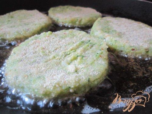 Картофельные биточки с брокколи
