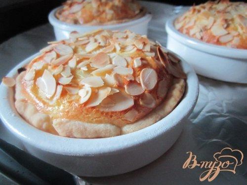 Тарталетки с персиками и рикоттой