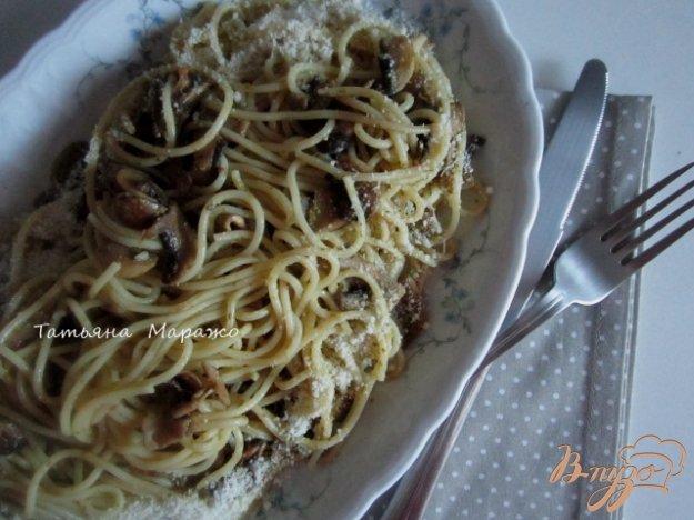Рецепт Спагетти с жареными шампиньонами и песто