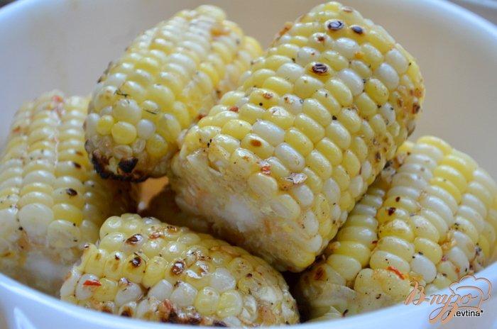 Фото приготовление рецепта: Кукуруза с кленовым сиропом шаг №4