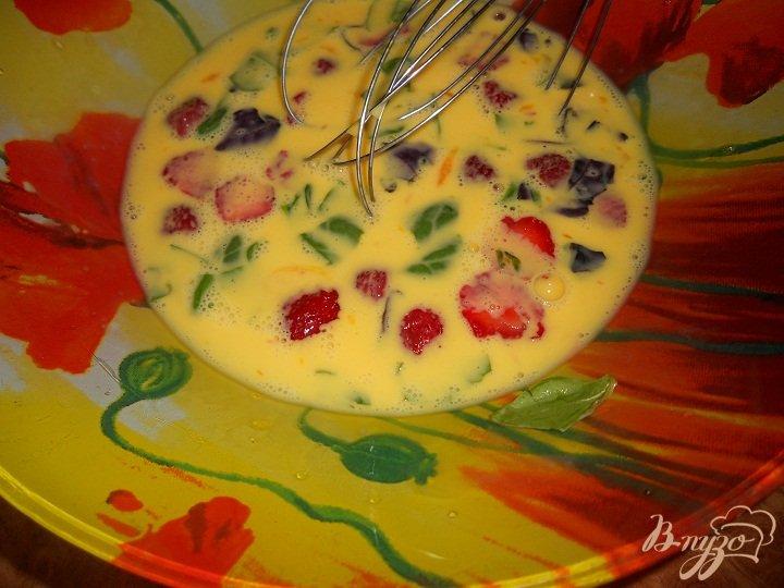 Фото приготовление рецепта: Клубничные тосты шаг №2