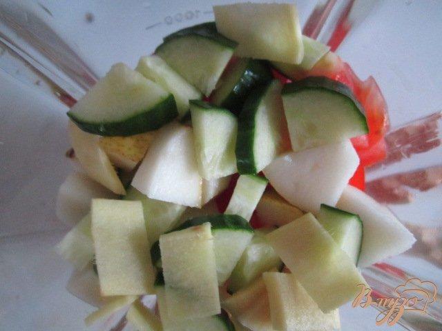 Фото приготовление рецепта: Гаспачо с грушей и имбирем шаг №1