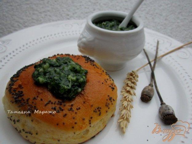 Рецепт Булочки с чесночно-шпинатной серединкой