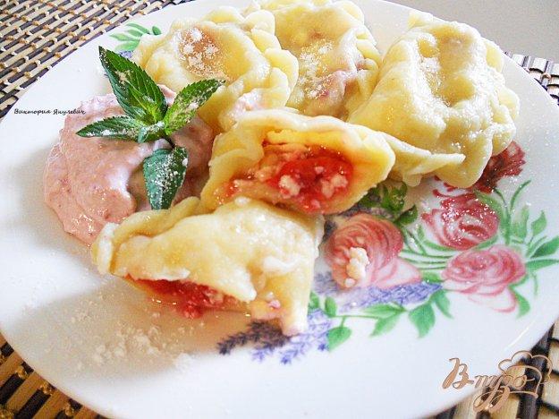 Рецепт Вареники с малиной и крем - сыром