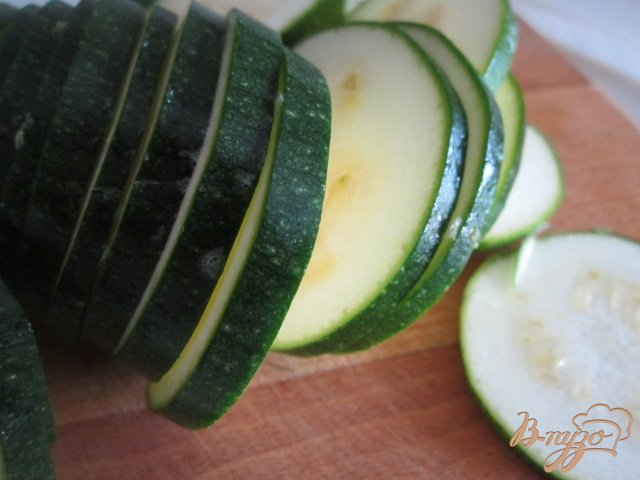Фото приготовление рецепта: Запеканка из цукини с фаршем шаг №3