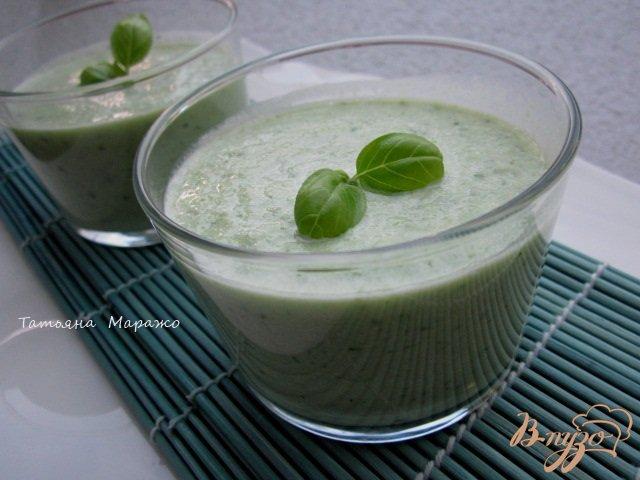 Фото приготовление рецепта: Огуречный  холодный суп шаг №4