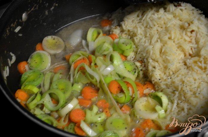 Фото приготовление рецепта: Суп куриный с зеленым горошком шаг №2