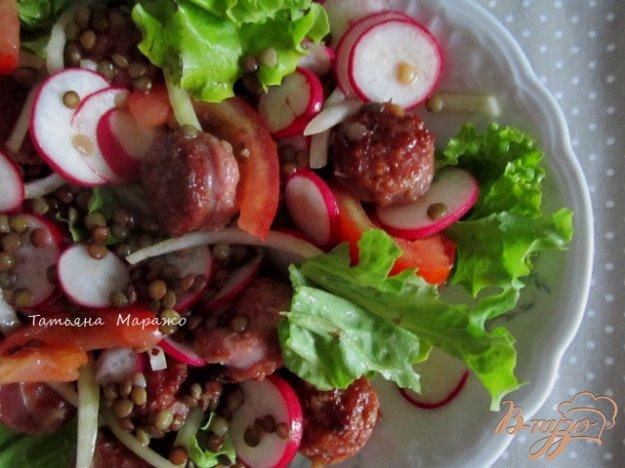 Рецепт Салат с овощами и обжаренными сардельками