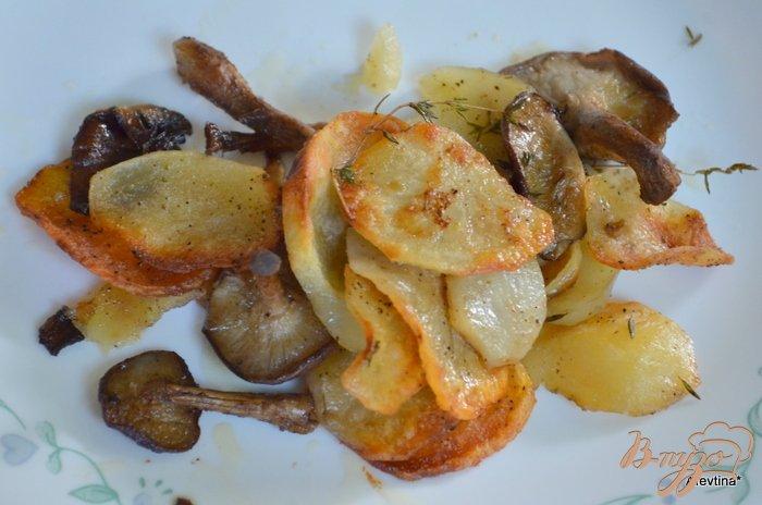 Фото приготовление рецепта: Картофельная галета с грибами шаг №4