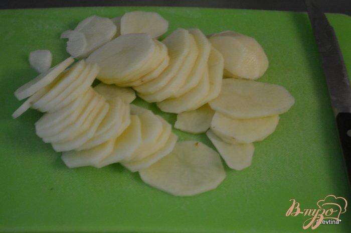 Фото приготовление рецепта: Картофельная галета с грибами шаг №2