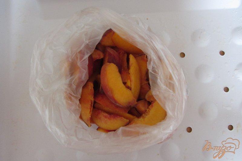 Фото приготовление рецепта: Замороженные персики шаг №4