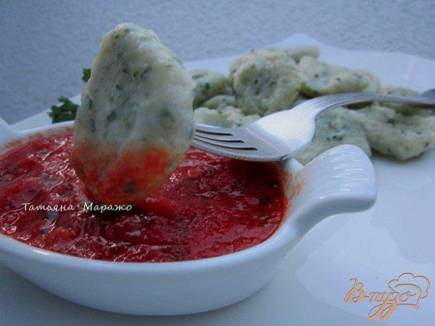 фото рецепта: Томатно-чесночный соус к галушкам