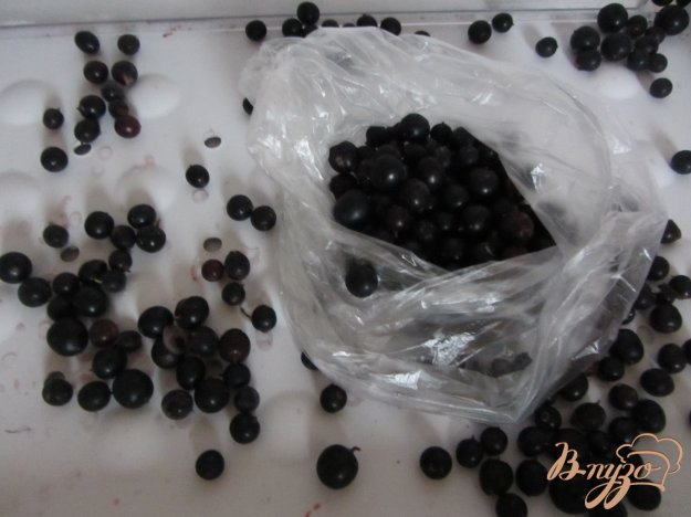 фото рецепта: Замороженная черная смородина