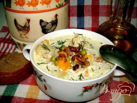 фото рецепта: Суп с лисичками и горошком
