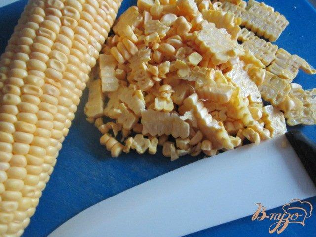 Фото приготовление рецепта: Сардельки с чечевицей и кукурузой шаг №5