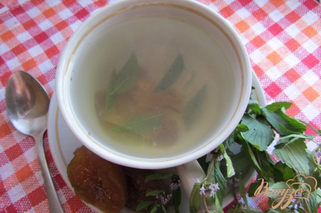 фото рецепта: Мятно-инжирный чай