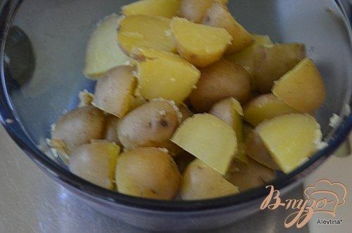 Салат картофельный с корнишонами
