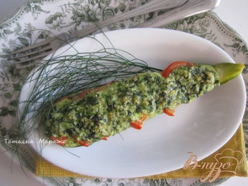 Цукини с томатами под шпинатово-сырным соусом