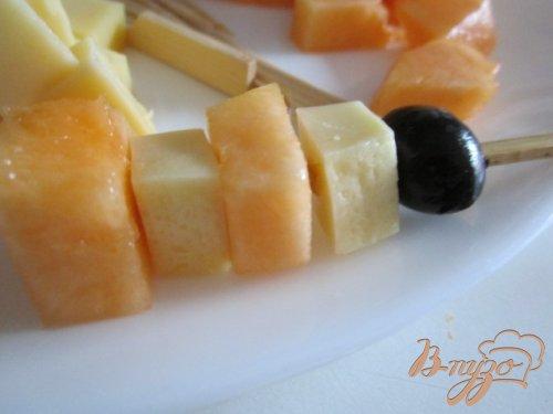 Канапе с дыней и сыром