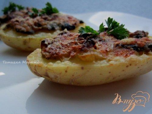 Картофельные лодочки с грибами и луком пореем