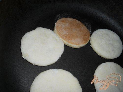 Пирожное из творожного теста на сковороде