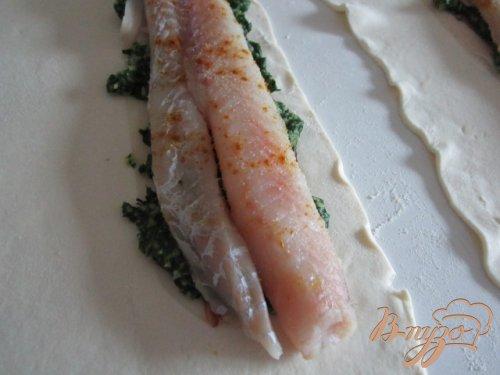 Слойки со шпинатом и рыбой