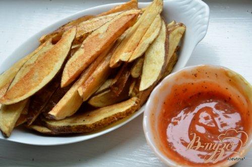 Картофель фри с пряным кетчупом