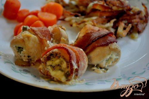 Куриные грудки с начинкой в беконе