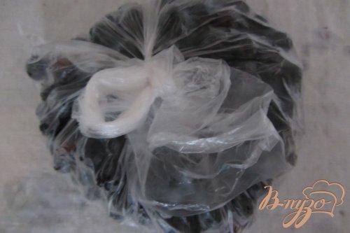 Замороженная черная смородина