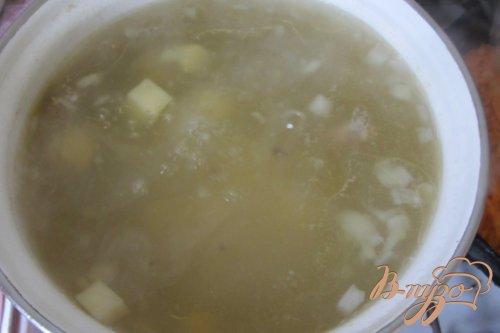 Макаронный суп с куриными сердечками
