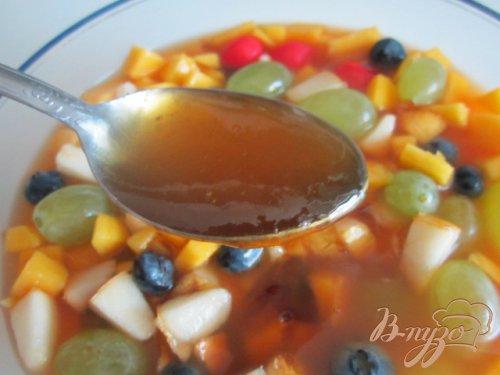Фруктовый салат с чайной настойкой