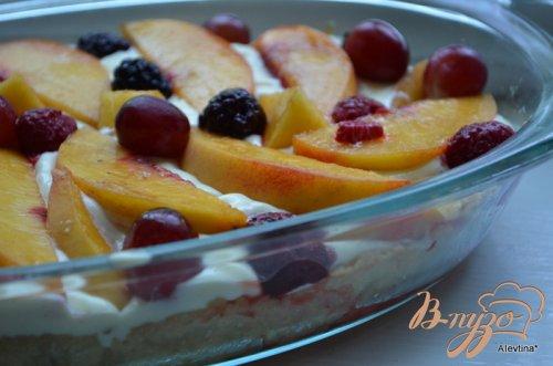 Фруктовый пирог с ванильным пудингом