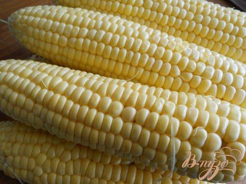 Кукуруза отварная со сливочным маслом и сыром