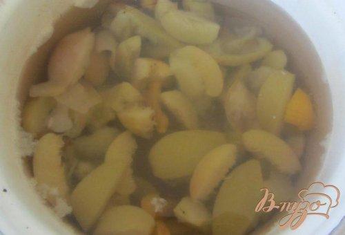 Яблочно-персиковый компот