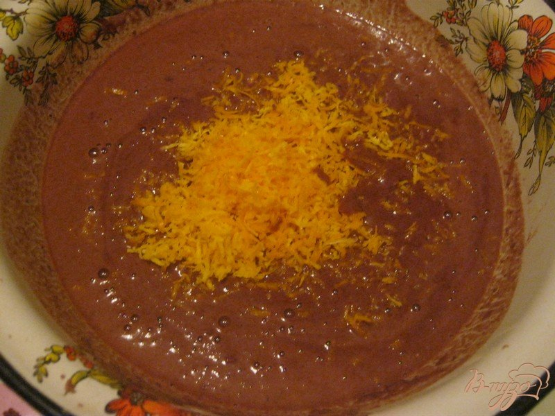 Фото приготовление рецепта: Шоколадно-апельсиновый кекс шаг №5