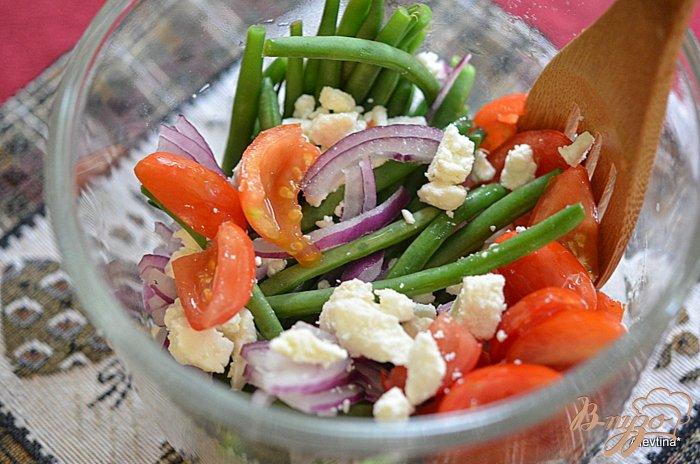 Фото приготовление рецепта: Салат  с зеленой фасолью шаг №2